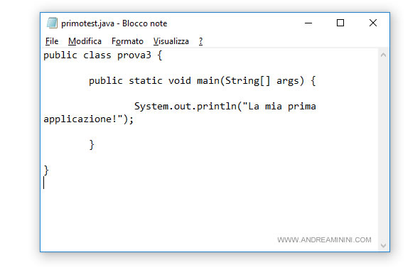 un esempio di programma in java scriptto su notepad di Windows